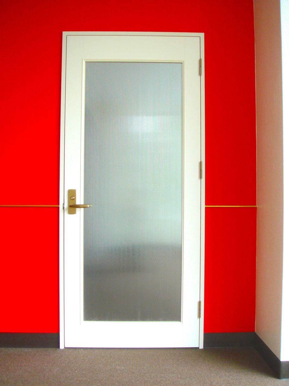 店舗改装後の入口ドア