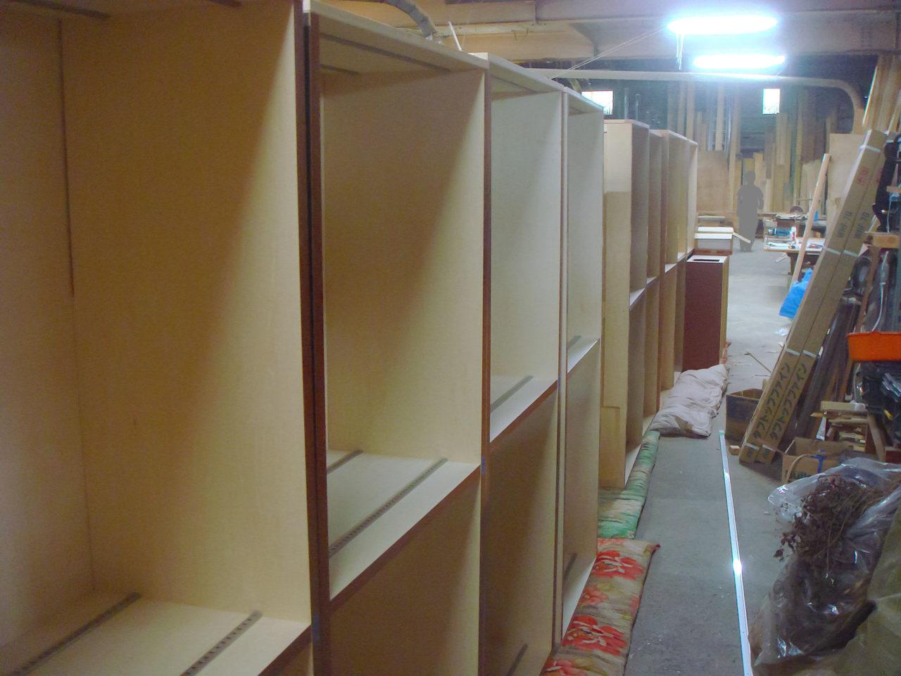 家具製作中