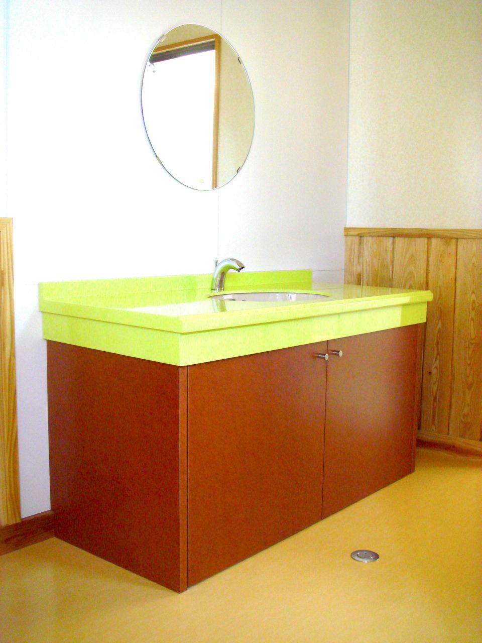 洗面台下の収納家具