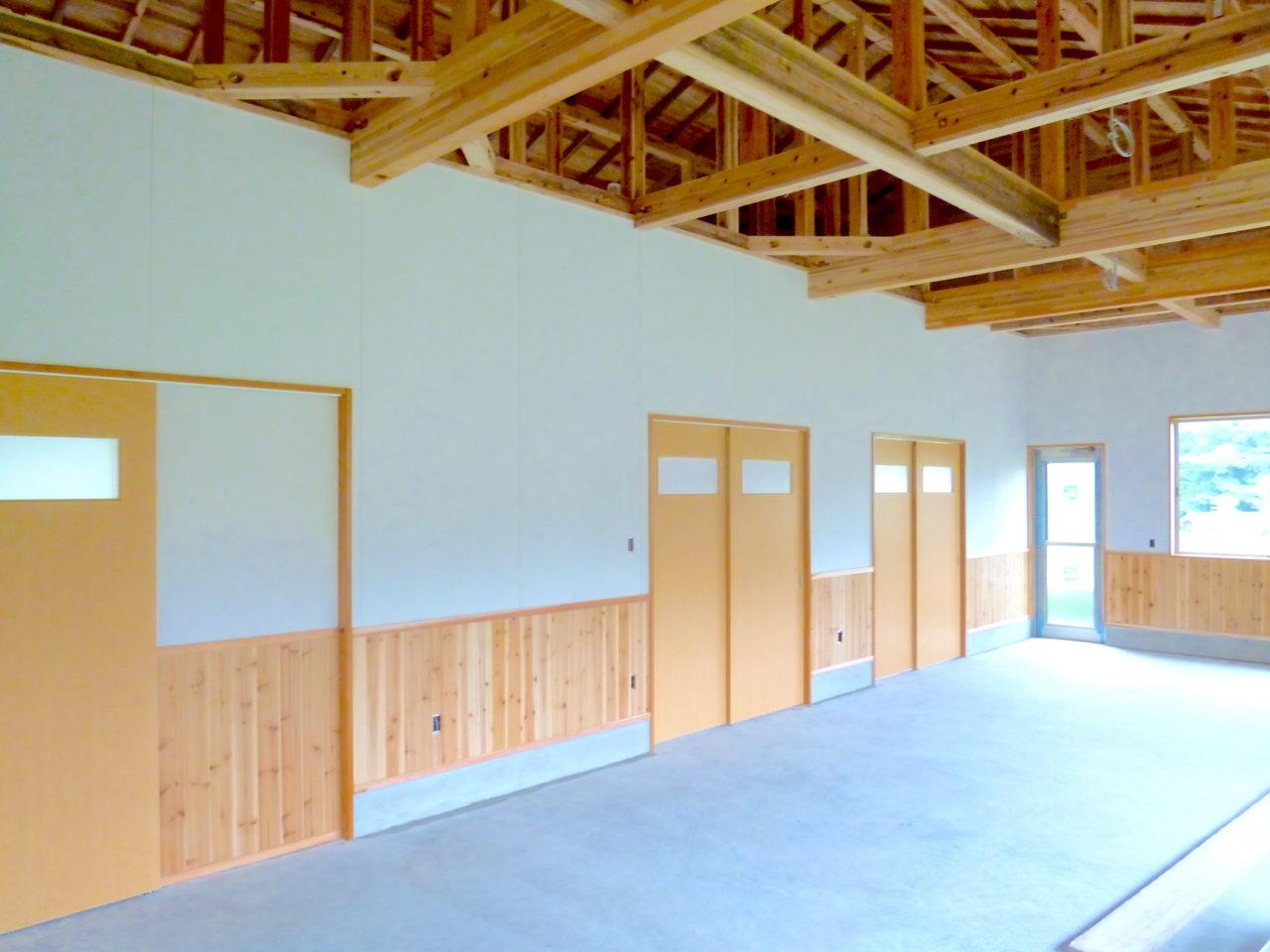 陶芸工房の両開き戸